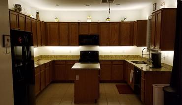 Kitchen-Cabinet-Lighting.jpg