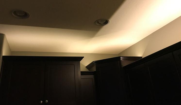 Top-cabinet-lighting2.jpg
