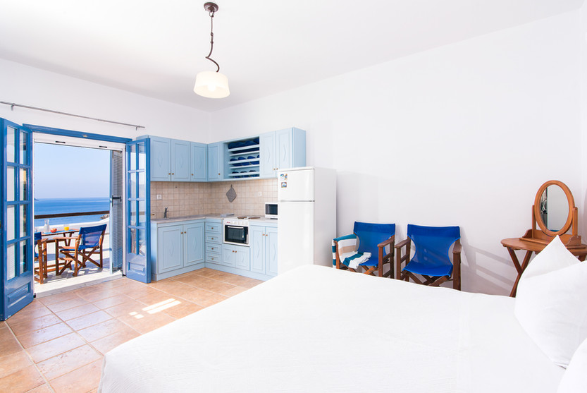 Bedroom #4/Studio & Kitchenette
