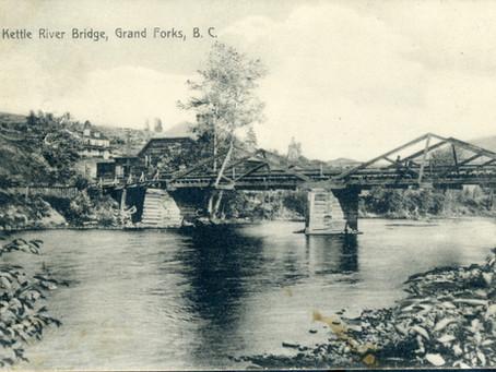 Grand Forks' First Street bridge