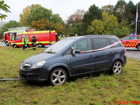 Bilist overså farligt vejkryds ved Menstrup og kørte galt.