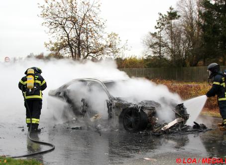 Bil udbrændte på rasteplads ved Karrebækstorp