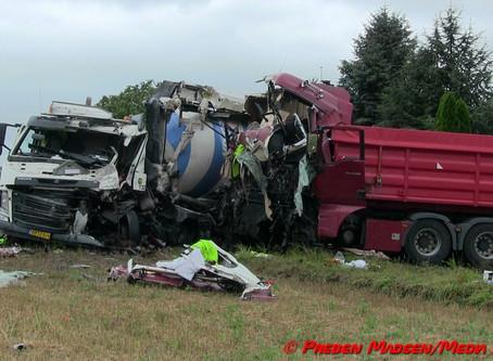 Voldsomt færdselsuheld på Landevejen mellem Vester Egesborg og Lov.