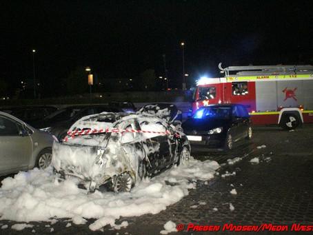 Fiat totalt udbrændt på P-plads i Næstved.