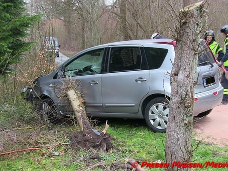 Næstved: Kvinde væltede med sin bil på lukket vej.