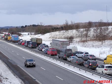 Færdselsuheld spærrede Sydmotorvejen - lang kø