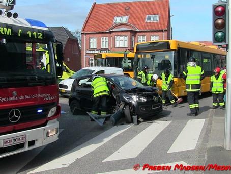 Næstved: Buschauffør fik ildebefindende under kørsel.