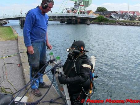 Havnekajen i Karrebæksminde sikres mod korrosion.