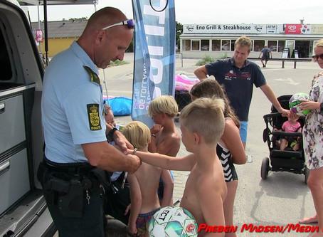 Børn blev lagt i håndjern i Karrebæksminde.