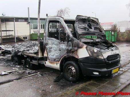 Mystisk brand i stor Iveco kassevogn natten til søndag.