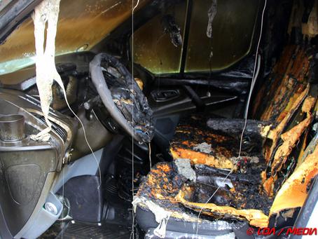 Tændt sædevarmer mulig årsag til bilbrand