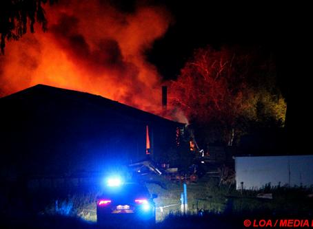 Voldsom gårdbrand i Rettestrup