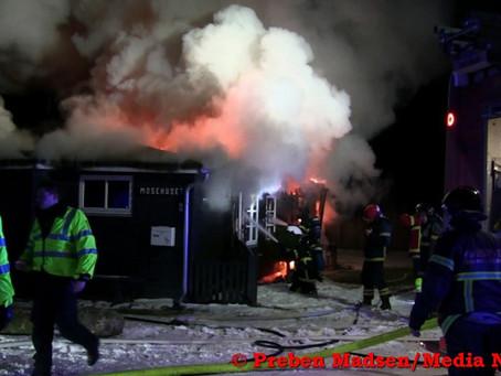 Sommerhus totalt udbrændt på Enø.