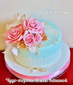 Торт с нежными розами на свадьбу