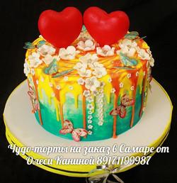 Торт с сердцами на свадьбу