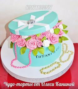 Торт коробка с розами