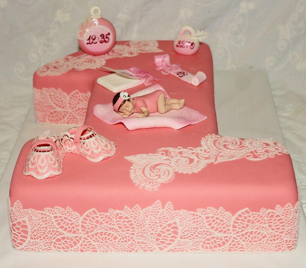 торт на годик в кружевах