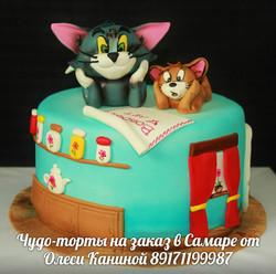 Торт Том и Джерри
