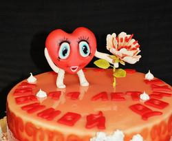 Торт с сердечком