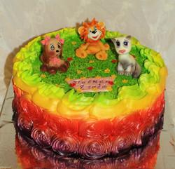 Торт с собачкой, кошечкой и львенком