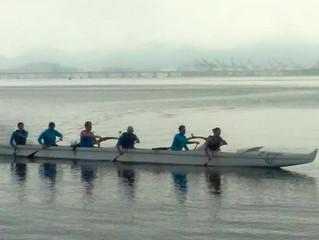 Chegada da Ho'oponopono - a primeira canoa havaiana OC-6 da Ilha do Governador