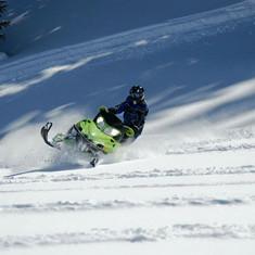 Minisa snowmobiling