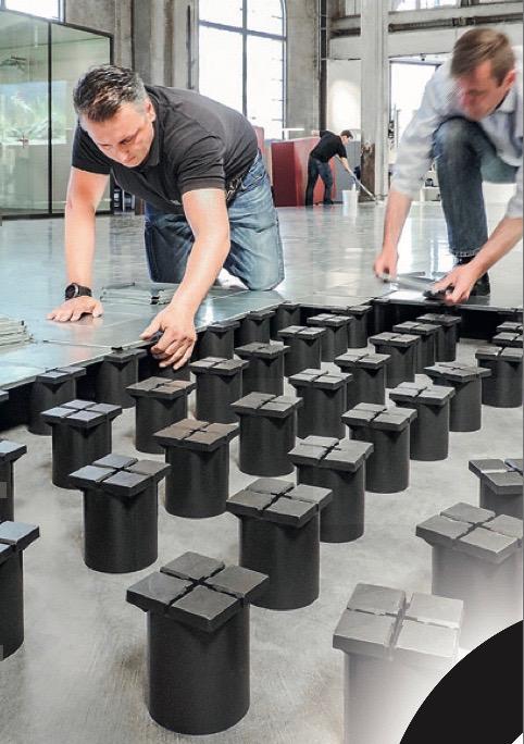 Montagearbeit Doppelbodensystem