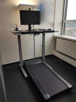 Laufband-Schreibtisch
