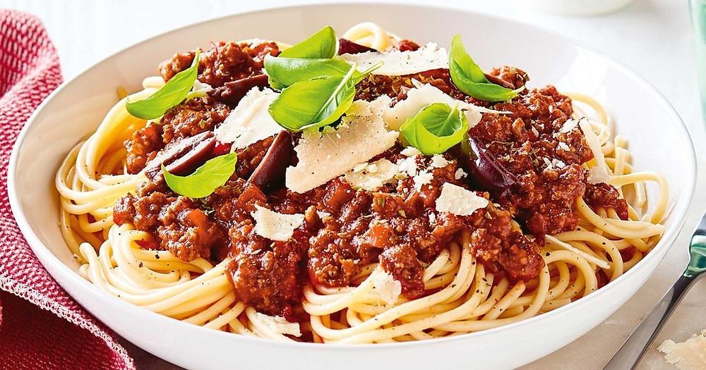 Sensational Spaghetti Bolognese withloverecipes.com