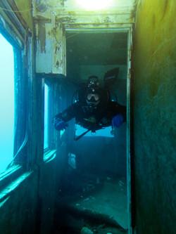 Под водой в вагоне