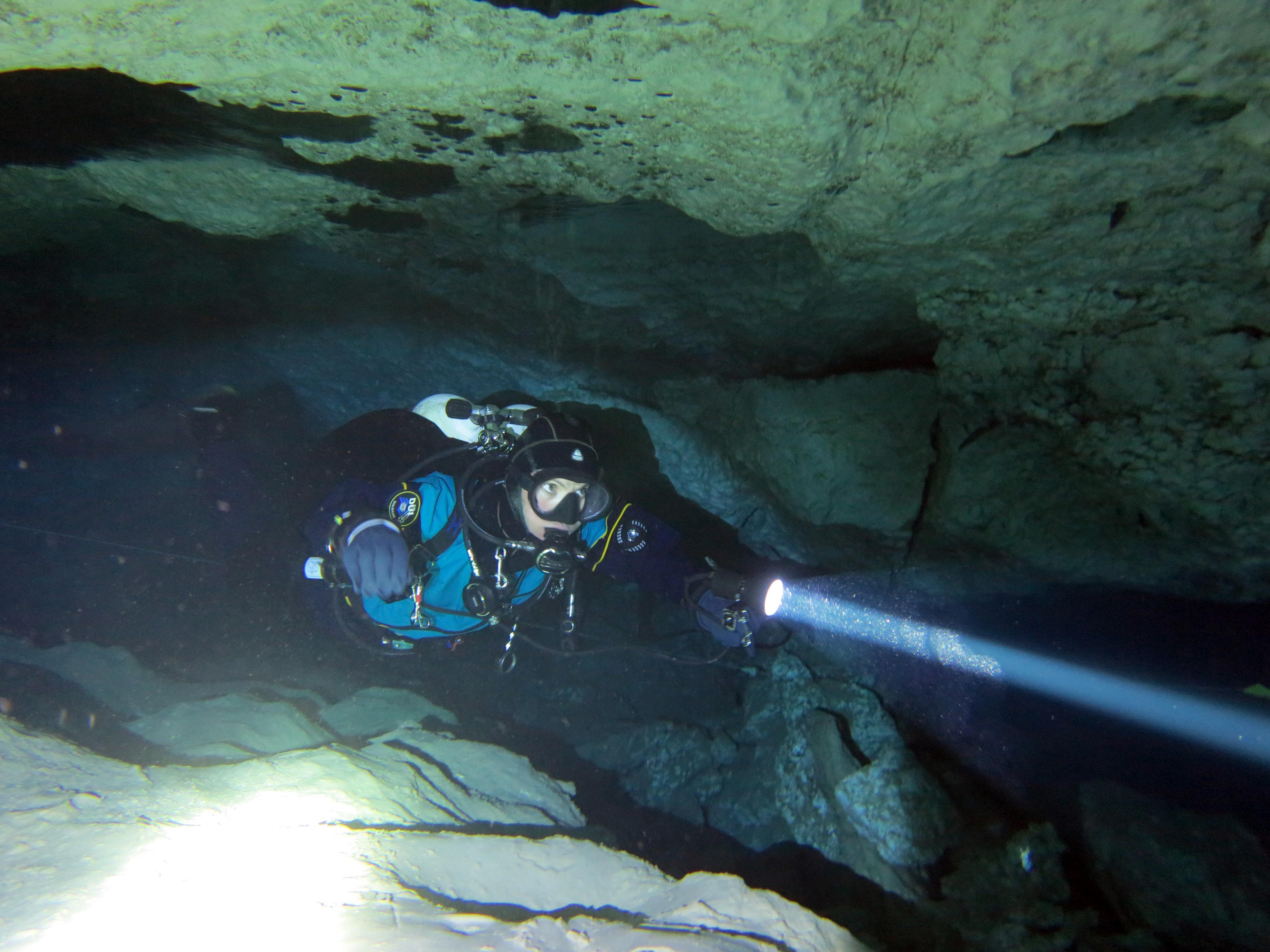 Погружения в Ординской пещере