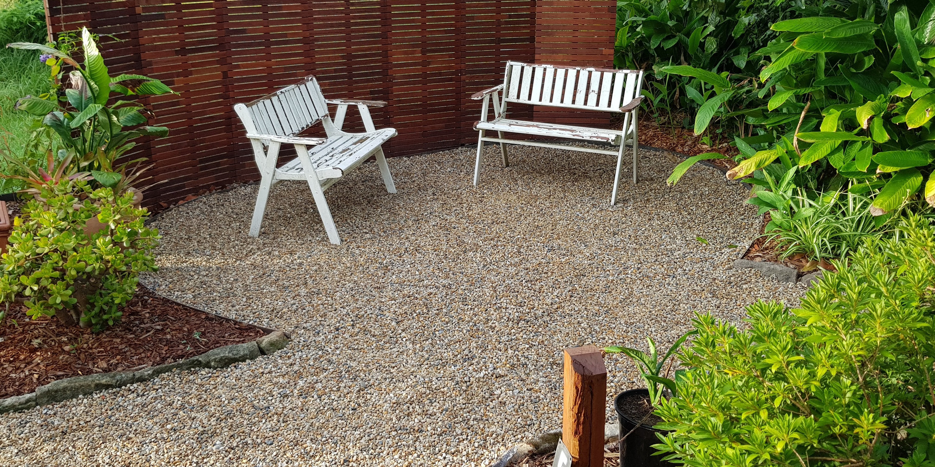 Guest garden nook, perfect for tea or evening drinks