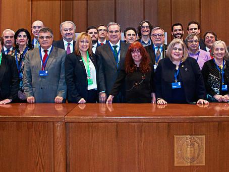 Deontología, desarrollo profesional continuo y sostenibilidad en el foco de los Colegios Profesional