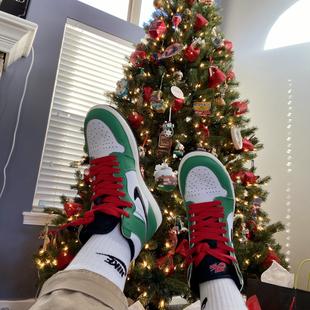 Christmas Kicks