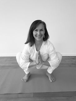 Joelle MASSOT-yoga.jpg