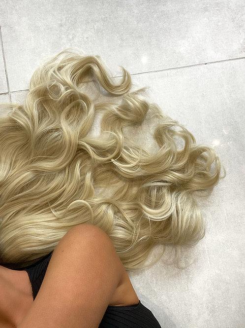 Colour 24/613 (light golden blonde)