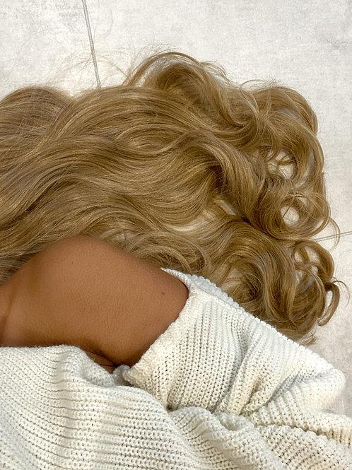 Colour 27/613 (honey blonde)