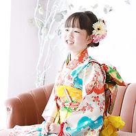 ハーフ成人式の撮影は横浜市都筑区のスタジオエルオーにおまお任せ下さい。