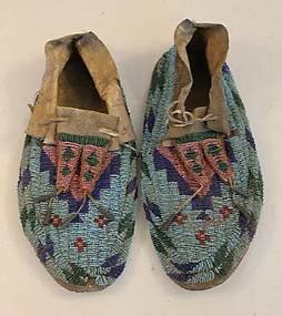 SiouxMoccasins.png