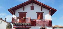 バスク地方を象徴するカラーは赤 Espelette
