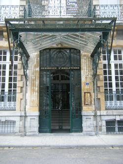 コートレ市内のベル・エポック様式の建物