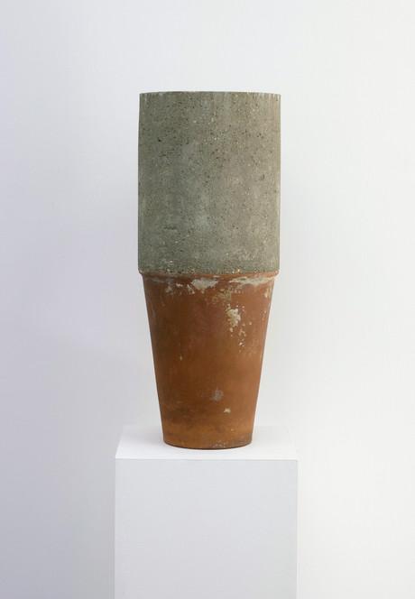 concrete pot 2.1.jpg