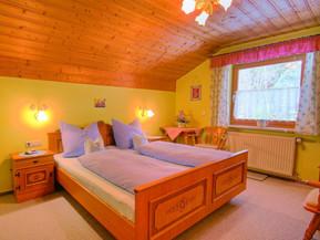 Schlafzimmer FW !!_edited.jpg