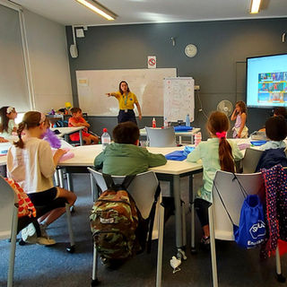 SKOLA English in London Junior Summer School English Study Club ESC Class.jpg.