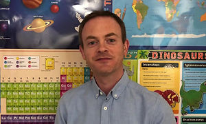 Online Science lesson teacher Ivan introduces himself and his 1:1 science classes