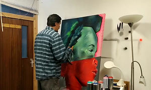 Online Art lesson teacher Alistair introduces himself and his 1:1 art classes