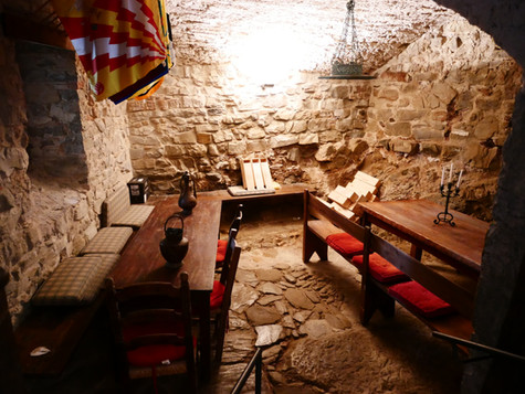 I den gamla fängelsehålan ger nu vinprovningar
