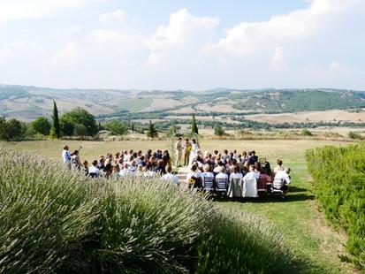 Symbolisk ceremoni med makalös utsikt