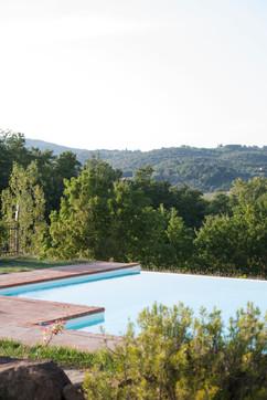 Utsikt från poolen vid den mindre villan