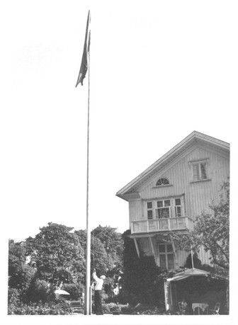 Tosten Ek hissar flaggan